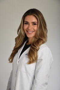 image of clinical extern Gabriela Rodrigues